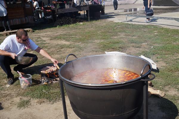 У Тячеві в День міста відбувся колоритний і смачний «Бограч-фест» (ФОТО)