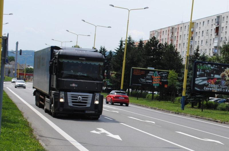 Неподалік Закарпаття вантажівка насмерть придавила українця