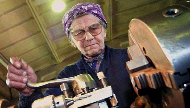 Закарпатці після виходу на пенсію знаходять можливість для додаткового заробітку
