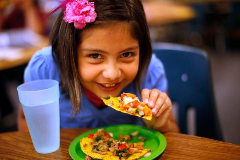 Чим годують школярів у різних країнах світу (ФОТО)