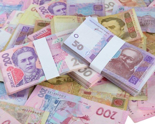 Середня зарплата на Закарпатті зросла на 26,5% – Держстат