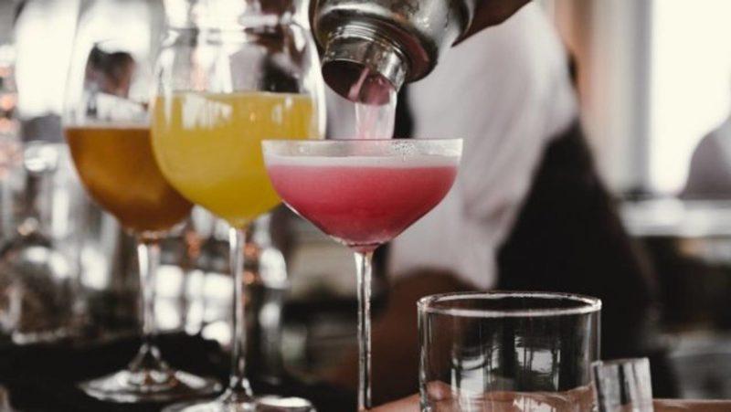 Алкоголь слід визнати наркотиком і продавати за рецептами – вчені