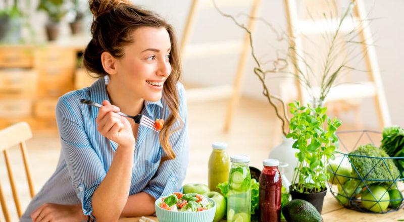 Вчені розповіли, як приймати їжу, щоб довше жити