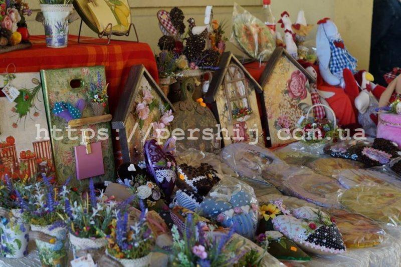 У Виноградові стартував ярмарок декоративних робіт «Барви осені» від майстринь Закарпаття