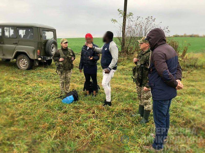 На західному кордоні України впродовж вихідних затримали нелегалів з Африки (ФОТО)