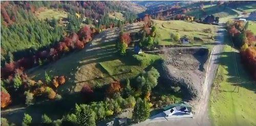 У мережі показали осінній Синевирський перевал з висоти пташиного польоту (ВІДЕО)