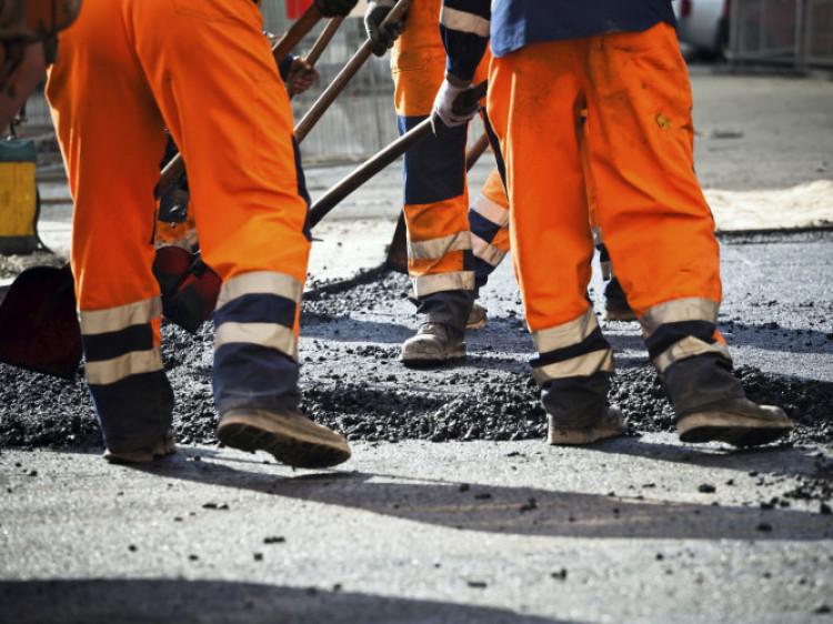 Закарпатська ОДА просить переможця тендеру терміново почати ремонт обласної дороги на Виноградівщині