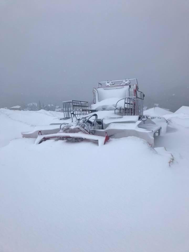 На Рахівщині урочище Драгобрат замело снігом (ФОТО)
