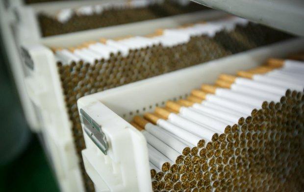 Акциз на цигарки: ціни змусять українців кинути палити