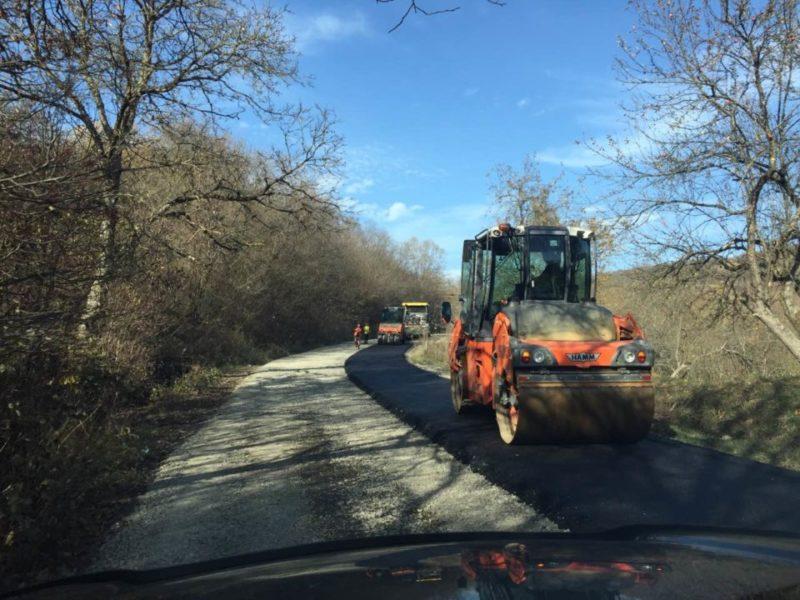 На Рахівщині ремонтують одну з найбільш аварійних доріг
