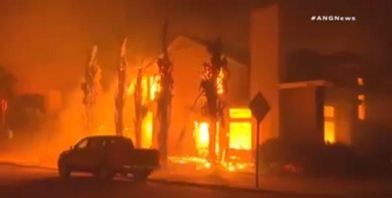 В Каліфорнії склалась катастрофічна ситуація (ВІДЕО)