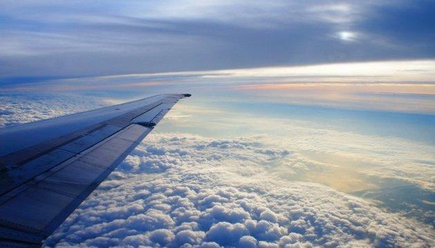 У небі над Канадою зіштовхнулися два літаки