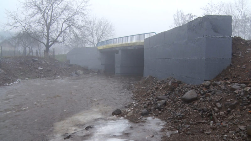 На Мукачівщині відремонтували опори аварійного мосту (ВІДЕО)