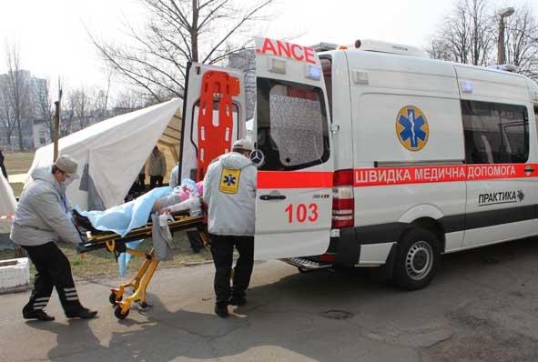Трагедія у Виноградові: чоловік помер у кареті швидкої
