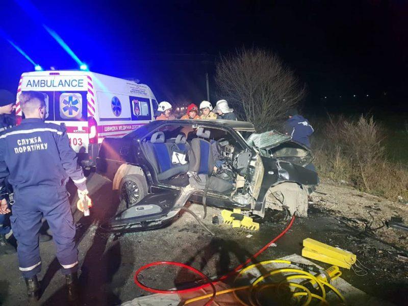 Жахлива ДТП в Хусті: є загиблі й травмовані (ФОТО)
