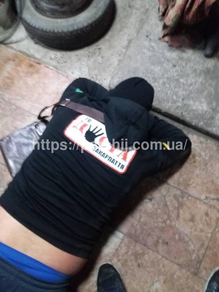 На Закарпатті перед школою сталася стрілянина–затримали близько 10 наркоторговців (фото)