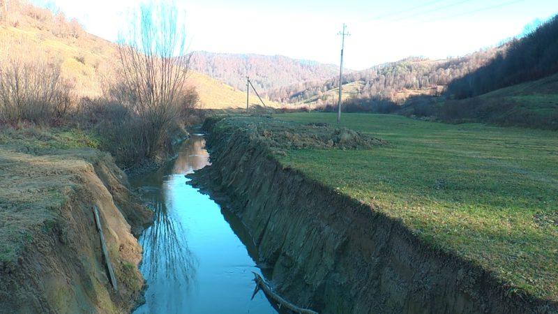В Округлій змістили русло річки Тячівець на 15 метрів (ВІДЕО)