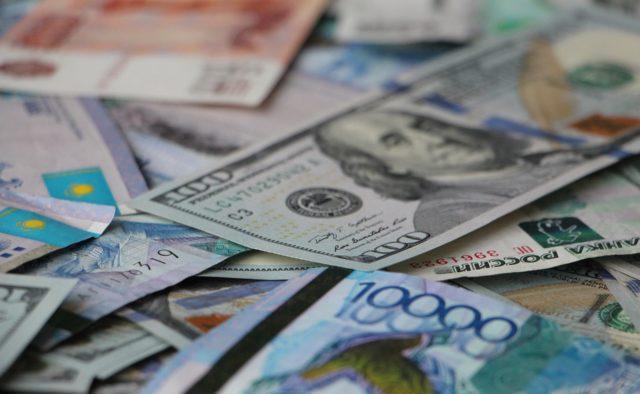 Опублікований новий курс валют Нацбанку: долар продовжує дешевшати