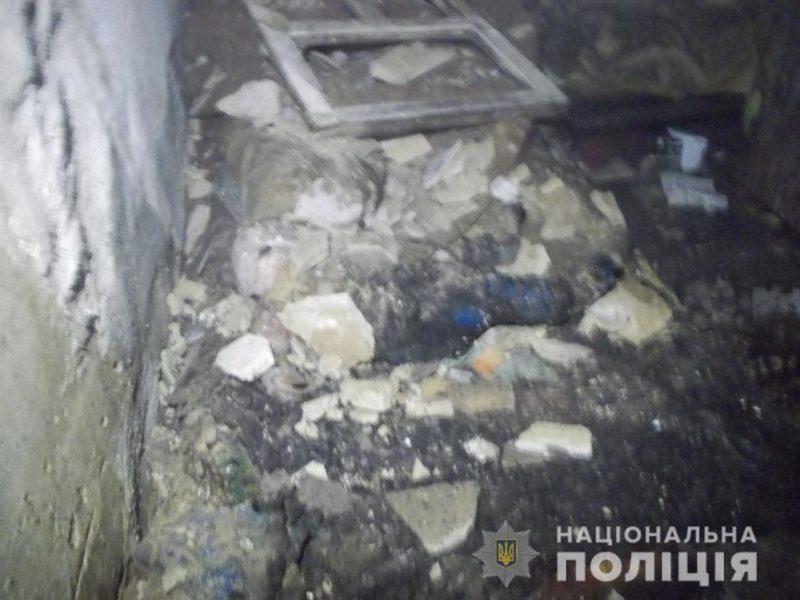 Смертельне тепло: 17-річна матір з немовлям загинули через загоряння печі (ФОТО, ВІДЕО)