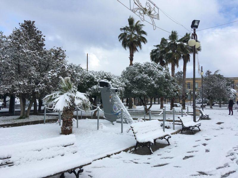 Пальми в снігу: в італійському Саленто зиму не бачили останні 25 років