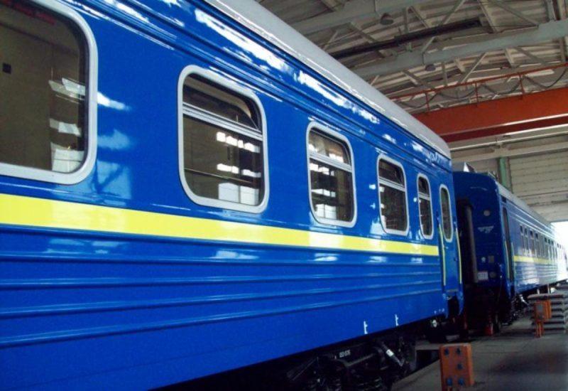 Кинувся під колеса потягу: поліція встановлює обставини смерті самогубця
