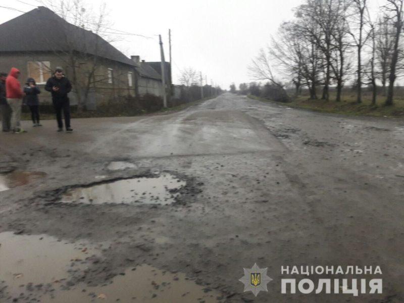 На Мукачівщині п'яний водій збив малу дитину (ФОТО)