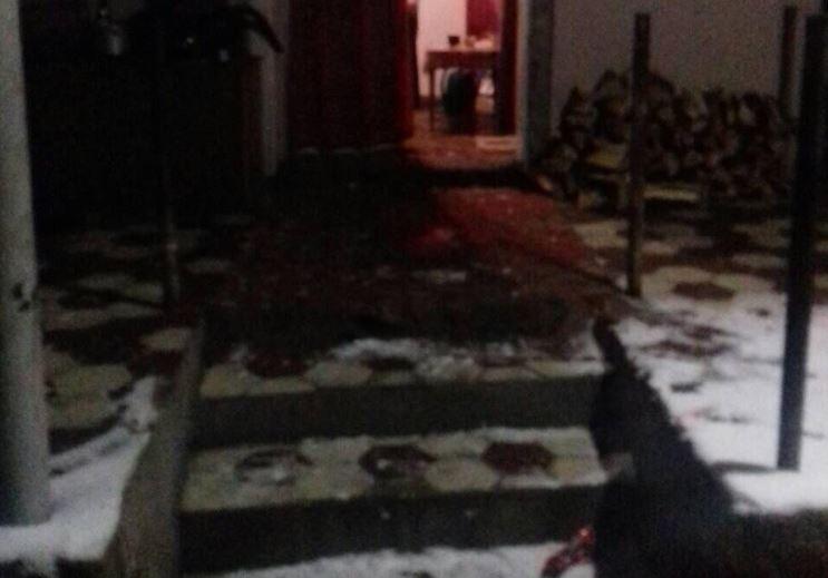 Трагедія на Закарпатті: гість встромив ножа в живіт господарю – чоловік помер (ФОТО)