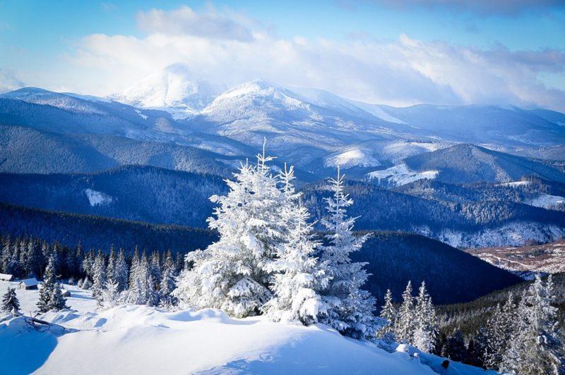 На Закарпатті, у горах зберігається 3-ступінь лавинної небезпеки