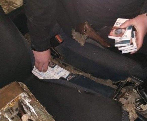 Закарпатці придумують все нові способи перевезення контрабандних цигарок (фото)