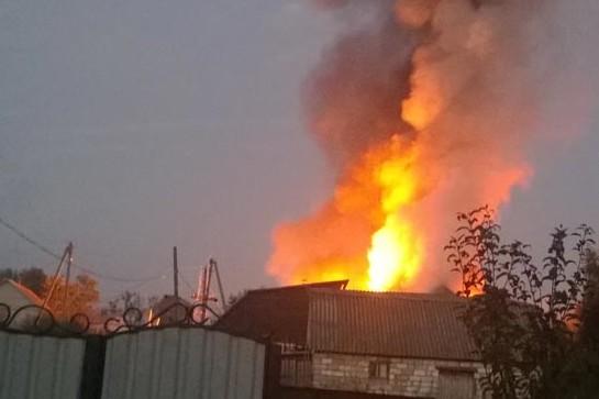 Пожежа у житловому будинку на Закарпатті: вогнем знищено покрівлю будинку та частину домашнього майна