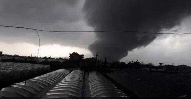 Руйнівний торнадо пронісся Туреччиною: є жертви (ФОТО, ВІДЕО)