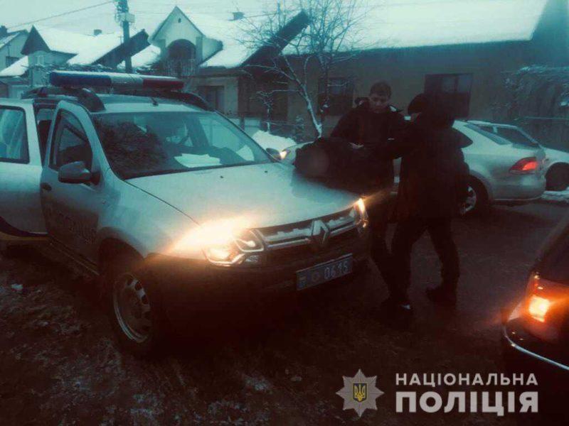 """На Закарпатті затримано злочинну групу озброєних """"гастролерів"""" (ФОТО)"""