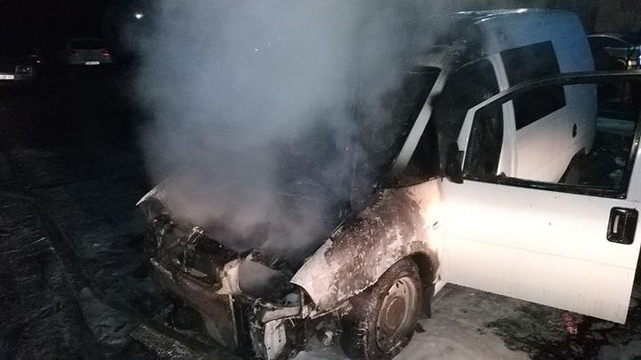 На Закарпатті за добу спалахнули три автівки (ФОТО)