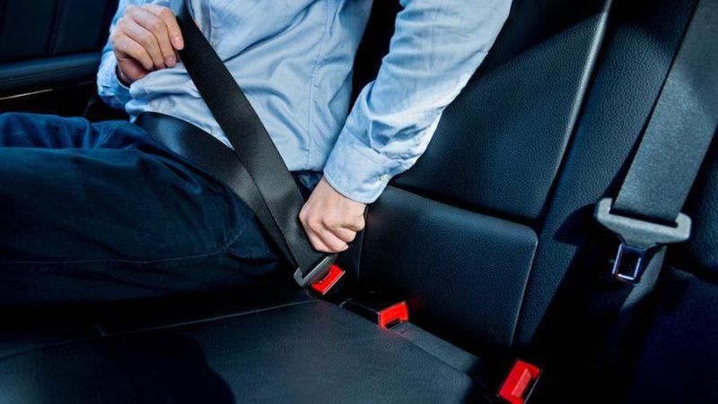 За не пристебнутих ременями безпеки пасажирів водій може сплатити штраф до 8500 гривень