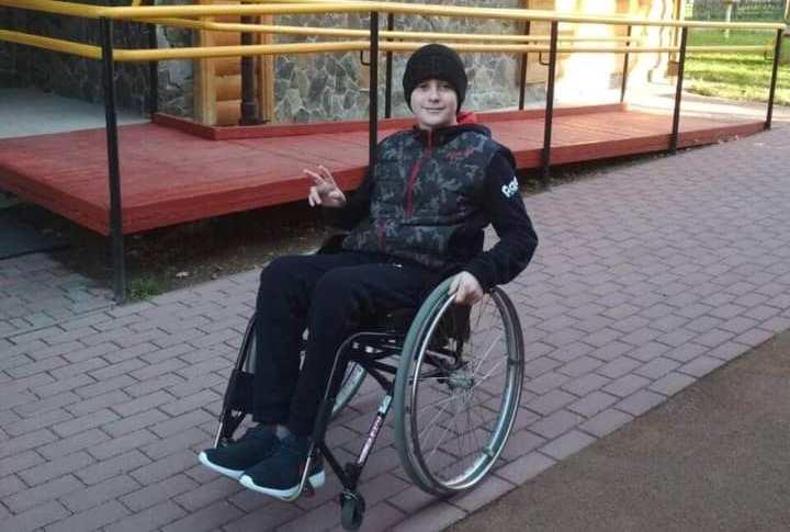 Допоможемо: 15-річний закарпатець мріє стати на ноги