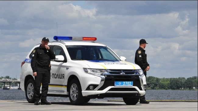 Пам'ятка закарпатським водіям: 10 конкретних підстав для зупинки автомобіля поліцією