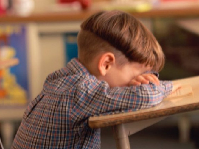 Вчитель вдарив школяра кулаком в живіт і намагався макнути обличчям в унітаз