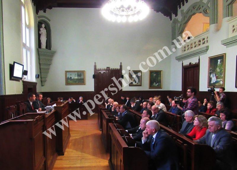 Сьогодні у Мукачеві сесія міськради: депутати прийматимуть 30 рішень (Порядок денний)