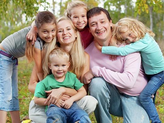 До уваги батьків: тим, у кого є малолітні діти, мають намір скоротити робочий день та створити особливі умови праці (УКАЗ)