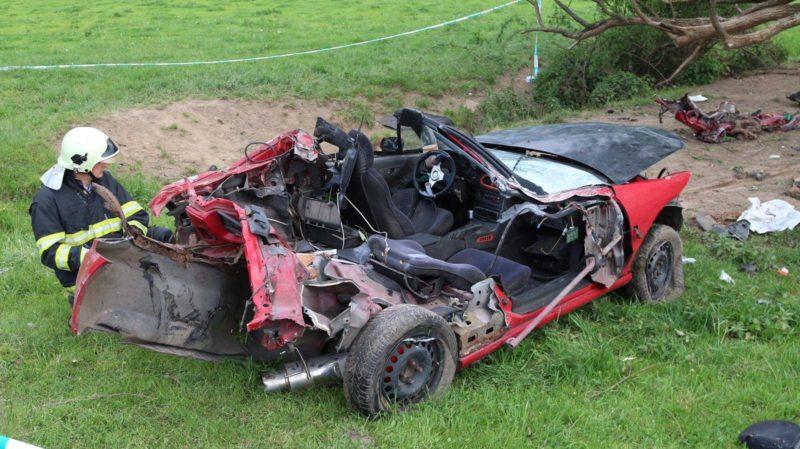 Жахлива ДТП в сусідній Словаччині: загинуло молоде подружжя (ФОТО)