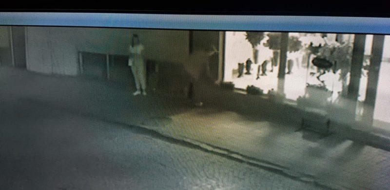 В Мукачеві камери зафіксували закоханих викрадачів (ФОТО, ВІДЕО)