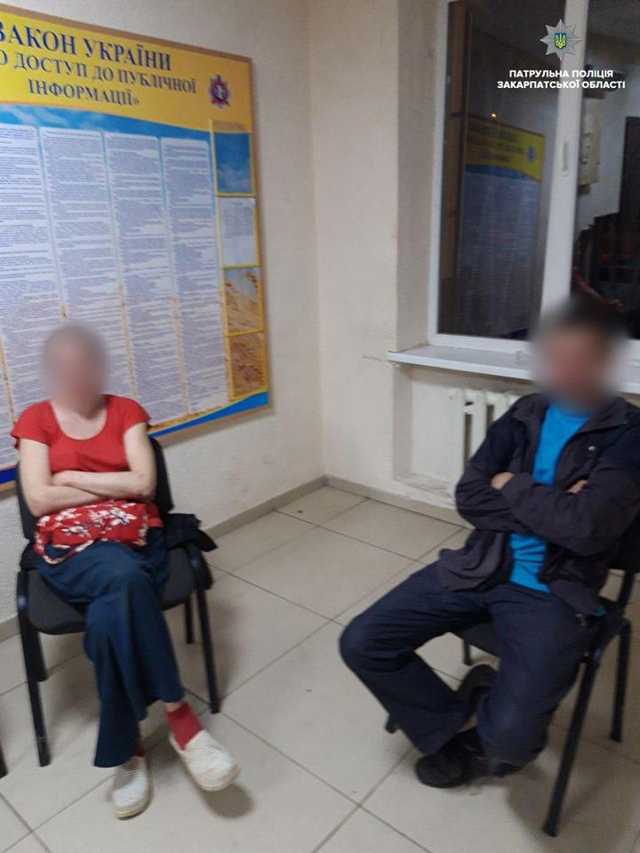 В Ужгороді затримали місцевих дебошир, які намагалися напасти на правоохоронців (ФОТО)