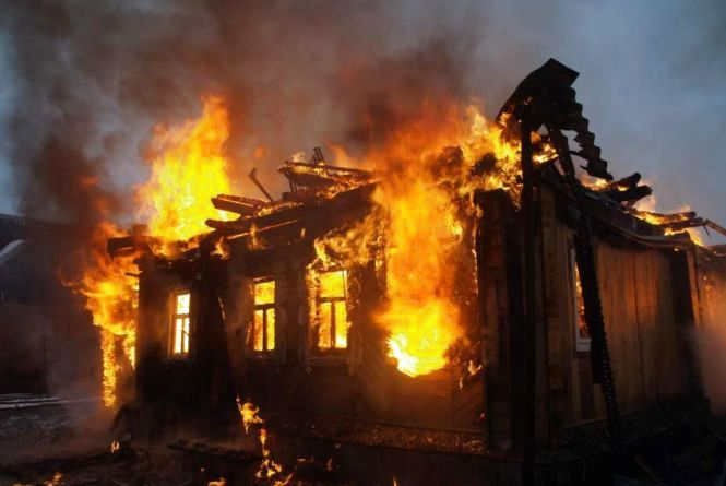 Пожежа на Мукачівщині: виявили тіло власниці будинку