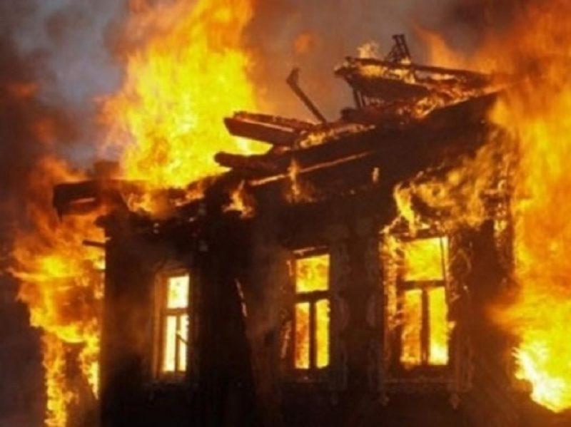 У Рахові дотла згорів житловий будинок