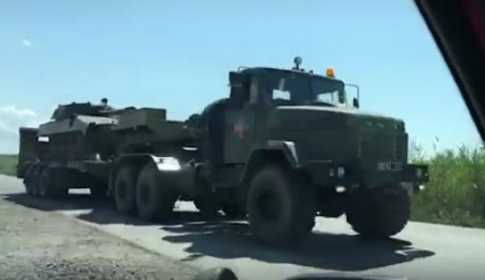 На дорогах Закарпаття помітили військову техніку (ВІДЕО)