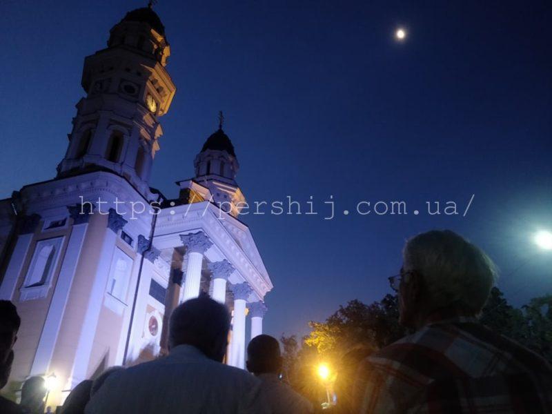З першими криками півнів : Ужгород зустрів незалежність спільною ранковою молитвою (ФОТО)