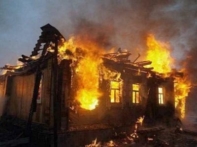 Спалахнув, як сірник: у Чинадієві, що біля Мукачева, вщент згорів житловий будинок