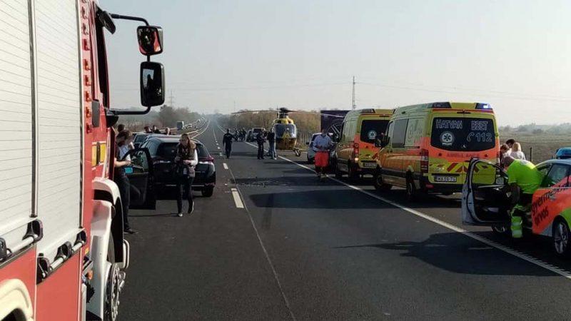 На швидкісній трасі зіткнулось 12 автомобілів (ФОТО)