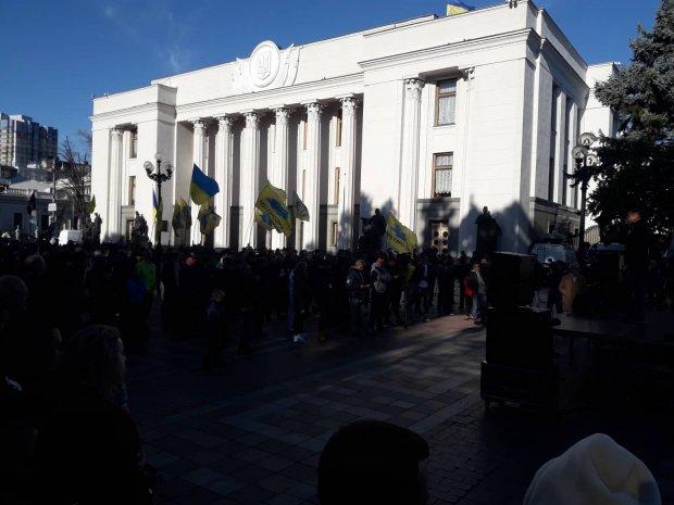 """Доступне розмитнення та скасування акцизу: """"євробляхери"""" знов вийшли на мітинг (ФОТО, ВІДЕО)"""