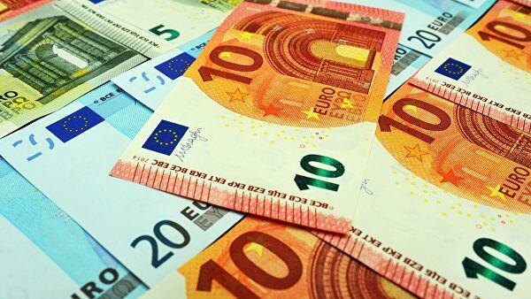 Євро втрачає у ціні: курс валют на 28 листопада